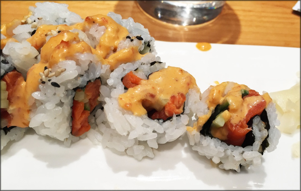 Yui Spicy Salmon Roll